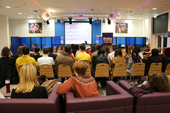 Students attending Full-time Officer question time in RUSU